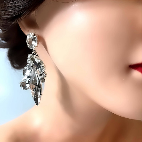 Kristallikorvakorut,  Crystal Earrings with Mixed Shapes