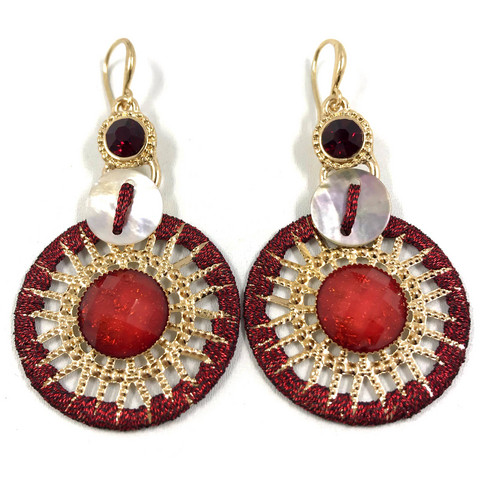 Korvakorut, Red Lace Earrings with Gold Details (kullanvärinen pitsi)