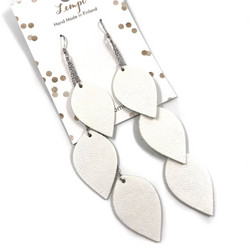 LEMPI-korvakorut, Lehdet (valkoinen, 3-os)