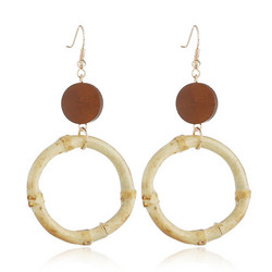 Puukorvakorut, bambukorvakorut/Round Bambu Earrings with a Brown Wooden Pearl
