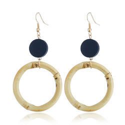 Puukorvakorut, bambukorvakorut/Round Bambu Earrings with a Dark Blue Wooden Pearl