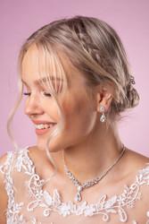 Strassikorvakorut, Beautiful Teardrop Earrings