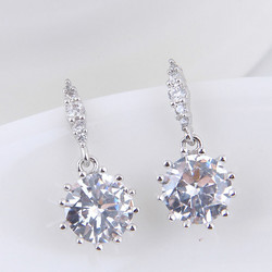 Juhlakorvakorut, ROMANCE/Small CZ Earrings in Silver