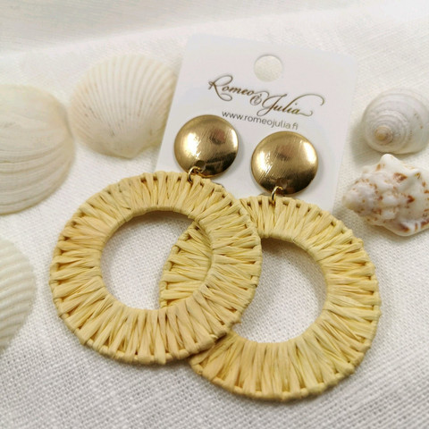 Korvakorut, Round Natural Earrings with Gold Details