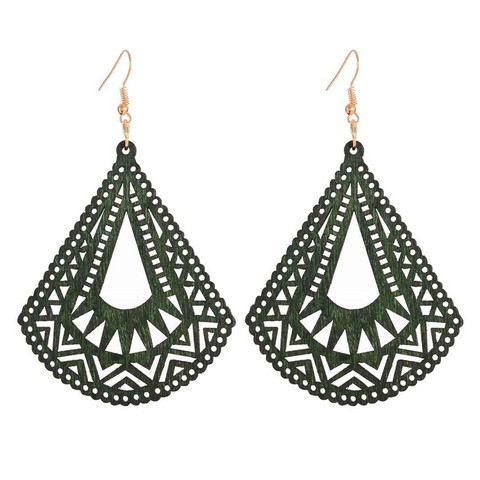 Puiset korvakorut, Olive Green Triangles with Lace Decoration