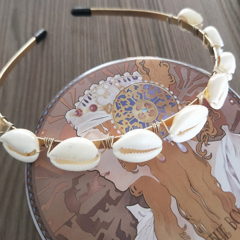 Hiuspanta|SUGAR SUGAR, Seashell Gold -kullanvärinen hiuspanta