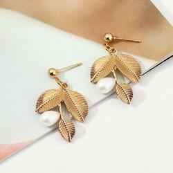 Korvakorut, Delicate Gold Twine with Pearls