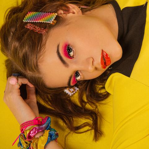 Hiuskoru/pinni, Shimmering Rainbow -hohtava sateenkaaripinni