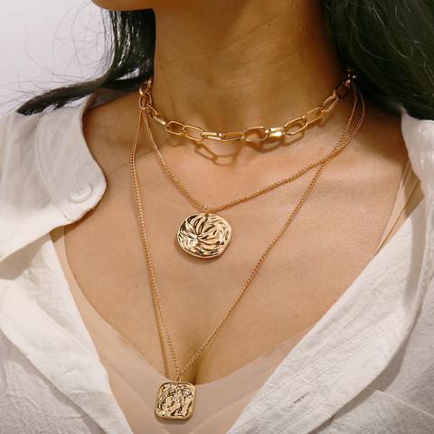 Kerroskaulakoru, FRENCH RIVIERA|Classic Three Layer Necklace in Gold