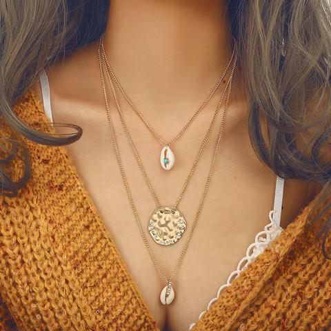 Kerroskaulakoru, FRENCH RIVIERA|Three Layer Seashell Necklace in Gold