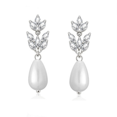 Kristallikorvakorut, ATHENA BRIDAL|Delicate Pearl Earrings