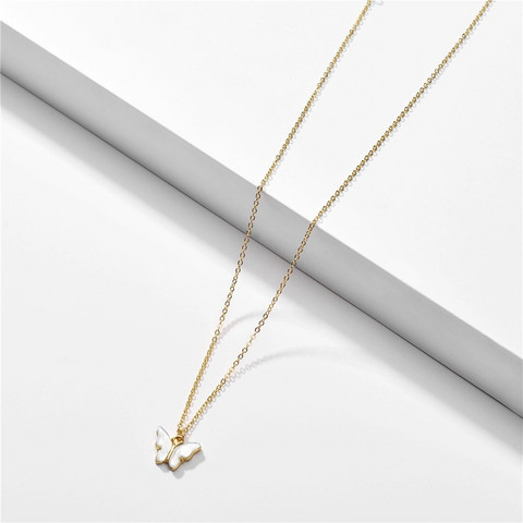 Kaulakoru, FRENCH RIVIERA|Small Shimmery Butterfly Necklace in White