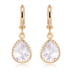 Juhlakorvakorut, ROMANCE|Simpe Teardrop Earrings in Gold