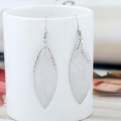 Korvakorut, FRENCH RIVIERA|Shimmering Oval Earrings in Silver