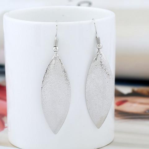Korvakorut, FRENCH RIVIERA Shimmering Oval Earrings in Silver