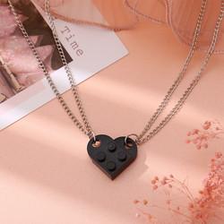 Best Friends-koru, Blocks in Black