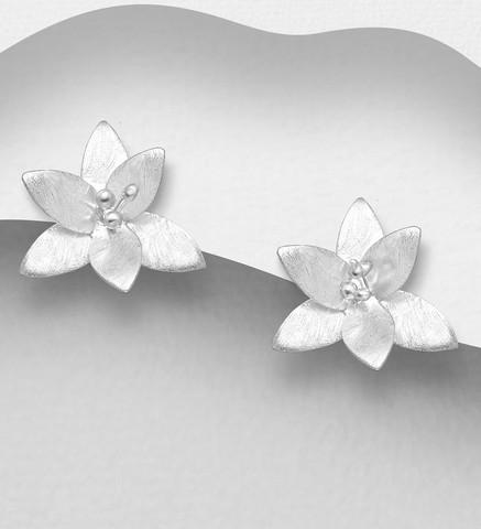 Hopeanapit, PREMIUM COLLECTION Delicate Matt Flower Earstuds
