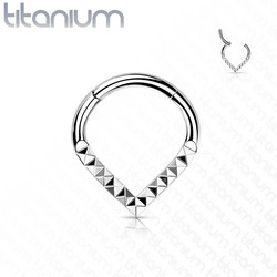 Lävistysrengas, Implant Grade Titanium Teardrop Pyramid Cut Hoop