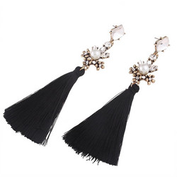 Korvakorut, Beautiful Black Party Tassels (musta tupsu)