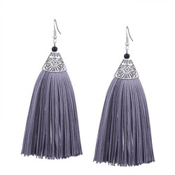 Korvakorut, Simple Grey Tassels (harmaa tupsu)
