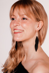 LEMPI-korvakorut, Laura (musta, kaksiosainen)