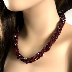 Kaulakoru, Dark Red Crystals Necklace (punainen)