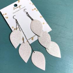 LEMPI-korvakorut, Lehdet (valkoinen glitter, kolmiosainen)