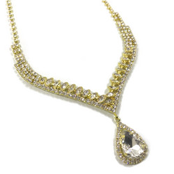 Strassikaulakoru, Beautiful Teardrop Necklace in Gold
