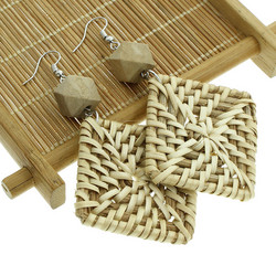 Puukorvakorut, rottinkikorvakorut/Chunky Square Rattan Earrings