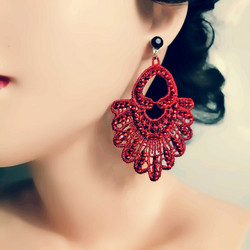 Korvakorut, Great Gatsby Lace Earrings in Red