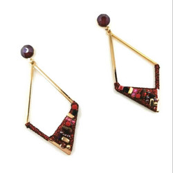 Korvakorut, Multicolored Earrings in Gold
