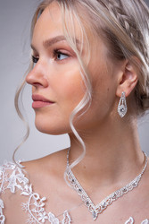 Strassikaulakoru, Graceful Lace Necklace