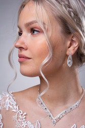Strassikorvakorut,  Graceful Lace Earrings