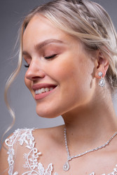 Strassikorvakorut,  Romantic Pearl Earrings