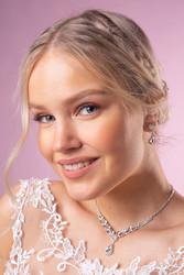 Strassikaulakoru,  Beautiful Teardrop Necklace