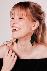 LEMPI-korvakorut, Vilja (musta glitter)
