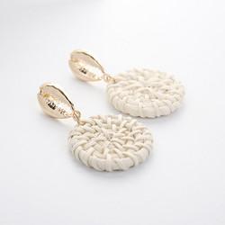 Rottinkorvakorut, Natural Rattan Earrings with Seashell Details