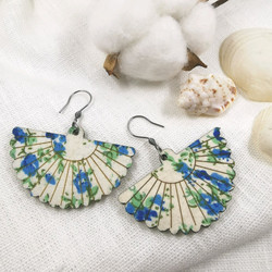 Puiset korvakorut, Fan Shaped Earrings with Blue Roses