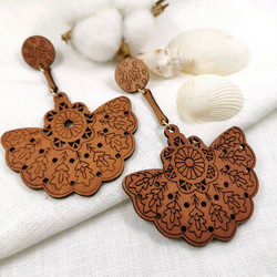 Puiset korvakorut, Brown Bohemian Earrings with Lace Decoration