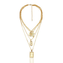 Kerroskaulakoru, FRENCH RIVIERA|Like a Prayer Layer Necklace in Gold