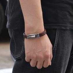 Keinonahkainen rannekoru, Black Faux Leather Bracelet with Bullet