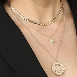 Kerroskaulakoru, FRENCH RIVIERA|Three Layer Madonna Necklace in Gold