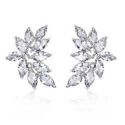 Kristallikorvakorut, ATHENA BRIDAL|Luxurious Cluster Earrings