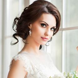 Kristallikorvakorut, ATHENA BRIDAL|Classic Isabella Earrings