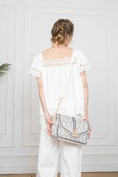 Laukku, BESTINI Paris|Boho Handbag with Light Grey Details