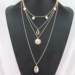 Kerroskaulakoru, FRENCH RIVIERA|Four Layer Seashell Necklace in Gold