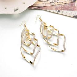 Korvakorut, FRENCH RIVIERA|Modern Twist Earrings in Gold