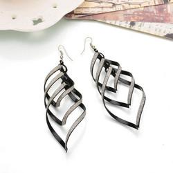 Korvakorut, FRENCH RIVIERA|Modern Twist Earrings in Black