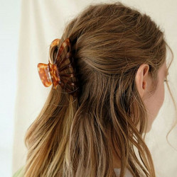 Hiussolki, hainhammas|SUGAR SUGAR, Pretty Hairclip in Tortoise Brown