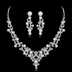 Juhlakorusetti ROMANCE|Romantic Pearl Necklace and Earrings in Silver